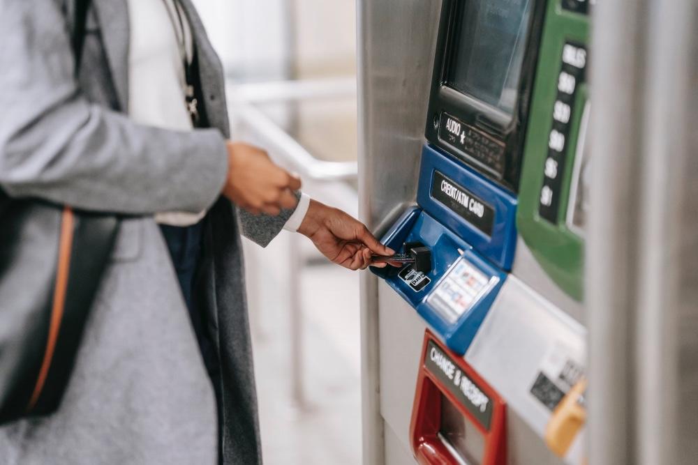 Płatność za granicą bankomat